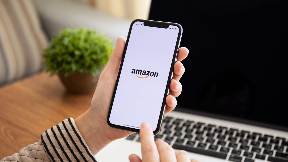 @amazon announced the launch of its own #FoodDelivery service in India.  Dubbed #AmazonFood, the company will launch with a handful of #Restaurant and #GhostKitchen partners, from whom customers can order meals.  Find out more, here > https://bit.ly/3c9Zfxo   #SpartanPacpic.twitter.com/f6y08YHhgi