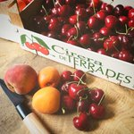 Image for the Tweet beginning: 🍒 És temps de #cireres