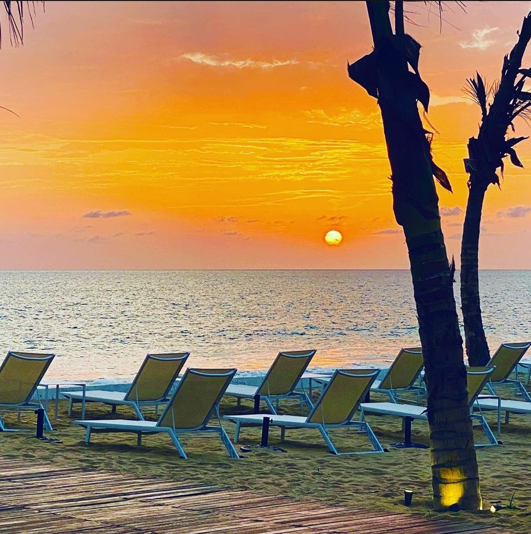 Grab a lounge and enjoy the sunset 🌄🌝 📸 @mohamedkessrwani  #ipctravel #yourguidetosierraleone #sierraleone #westafrica #africa #tourism #beautifuldesinations #ig_africa #travelgram #discoversierraleone #travel #sunset #lumleybeach #sunsetlover #africansunset #freetown #lumley https://t.co/UAwz0bdW9M