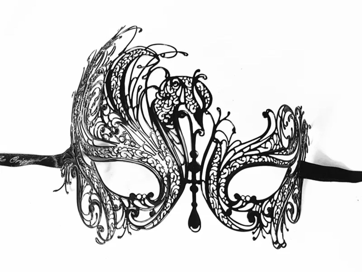 Check out our new collection of Laser-Cut Metal masks, very modern, easy to wear and beautiful on the wall!⠀ https://buff.ly/3ethmjw •⠀⠀ •⠀⠀ •⠀⠀ #masks #mardigras #maskball #fun #carnevale #venice #italianart #art #blackpic.twitter.com/PGtKHFhnq4