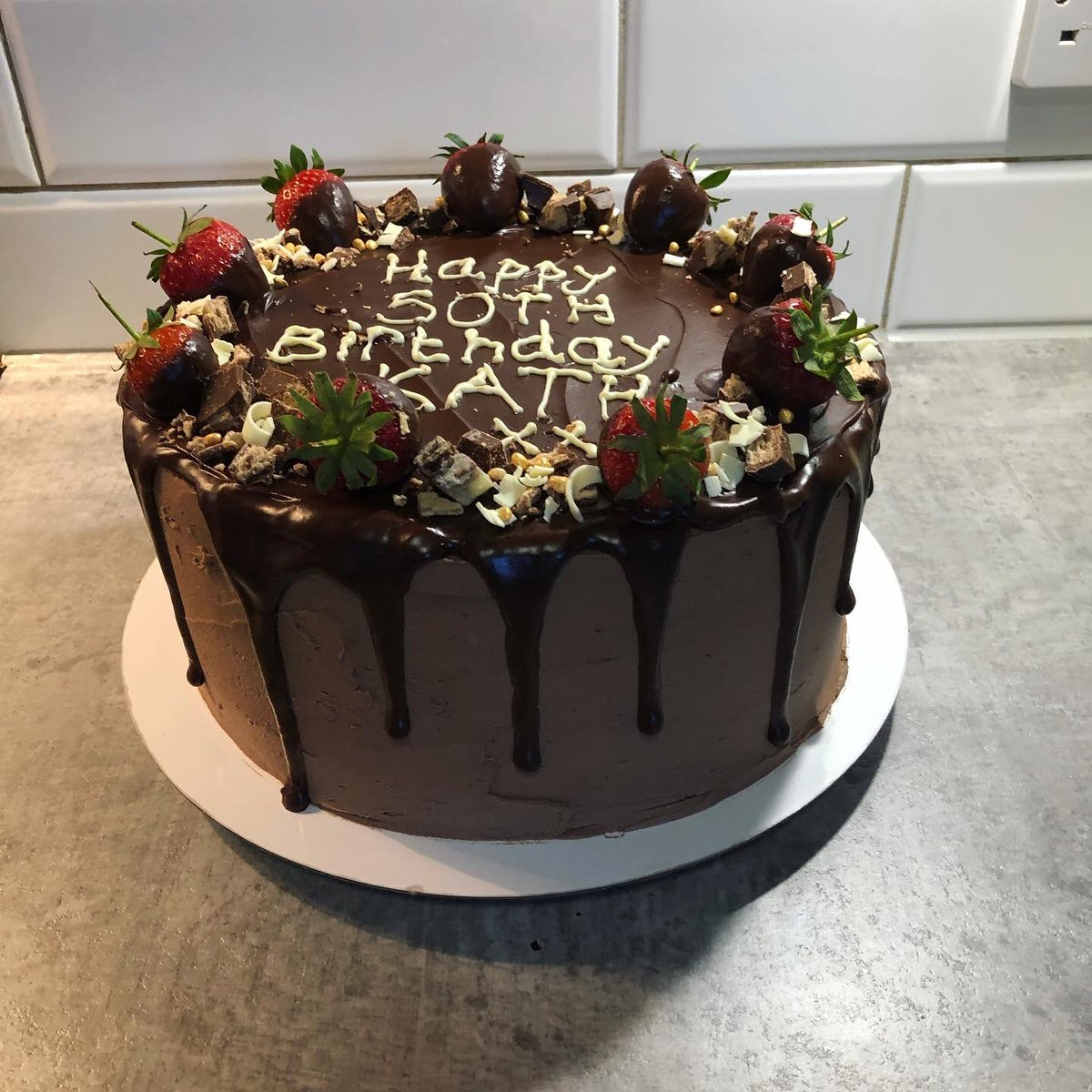 Cakes!  Lots of them this week, thanks for your orders! #cake #birthdaycake #lockdowncake #caterer #se4 #croftonpark #brockley #lewisham #catford #supportlocal #supportsmallbusinesspic.twitter.com/yMBLdTctKA