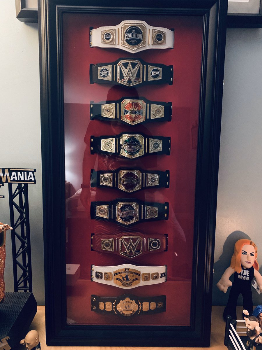 I finally filled up my mini belt plaque.  My favorites are the #wrestlemania belts.  I have the belts from WM 33, 34, 35, 36.  I just need to find the belt from 32.  The is rare. @BustedOpenRadiopic.twitter.com/9iK6qKLSo6