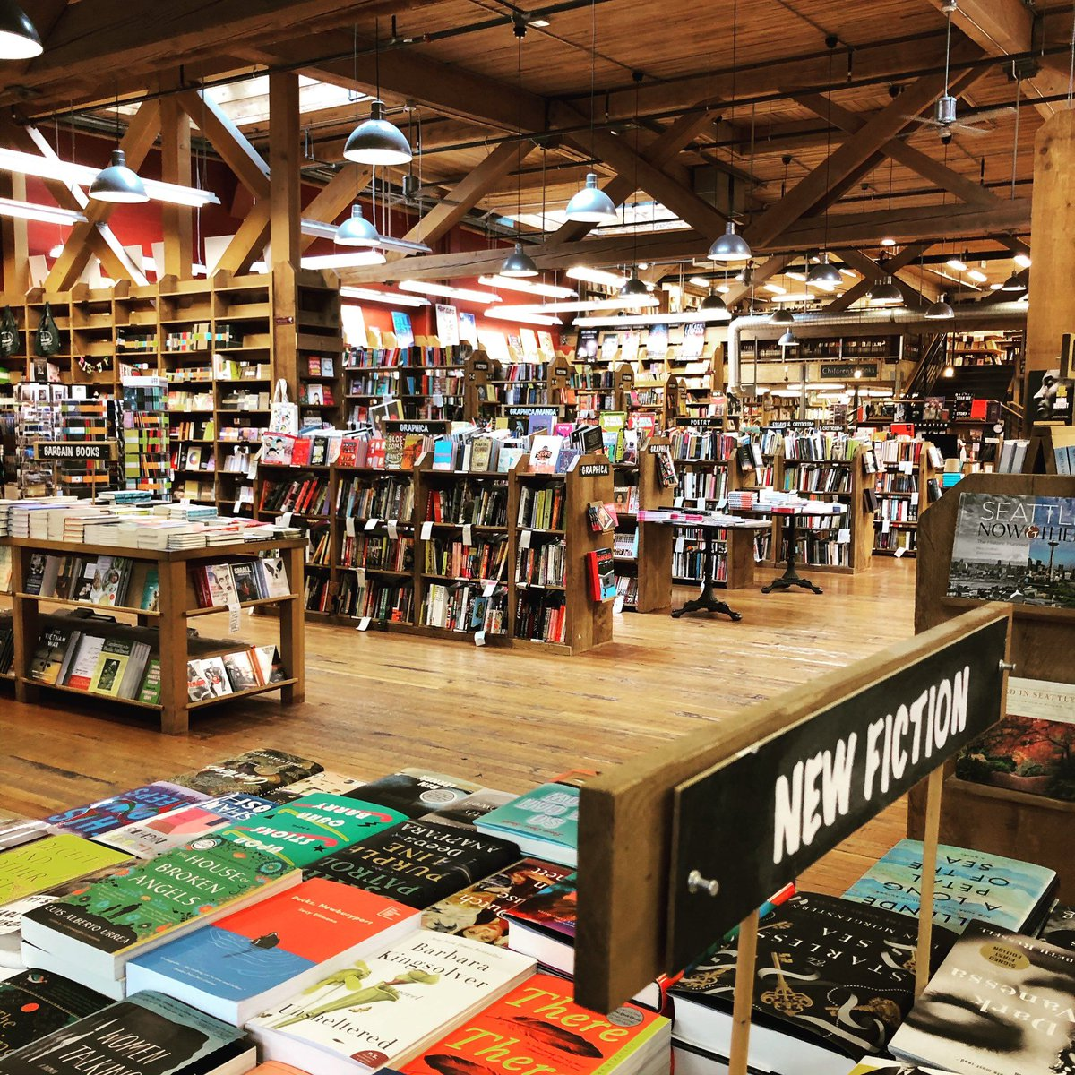 """😍 """"It is clear that the books owned the shop rather than the other way about. Everywhere they had run wild and taken possession of their habitat, breeding and multiplying...""""   🖊️Agatha Christie, THE CLOCKS 📸 @ElliottBayBooks https://t.co/1xLyfQBXri"""