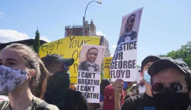 【影片】JR怒了!車窗被抗議者打破,當場暴揍肇事白人:遊行就好好遊行,動我車幹嘛?-黑特籃球-NBA新聞影音圖片分享社區