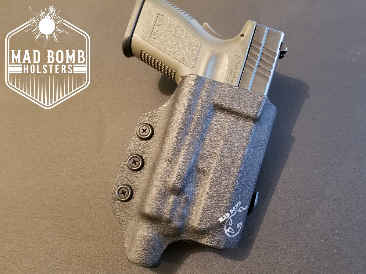 Special Order TNT, with Paddle belt attachment -Springfield XD45 with Surefire X300 light -Adjustable Retention #customkydexholsters #kydexholster #kydex #holsterbuilder #holster #holstermaker #kydexlife #owbholster #owb #ccw #edc #everydaycarry #madbombholsterspic.twitter.com/KXWSgairkT