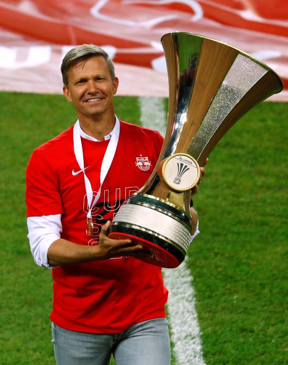 SOCCER : L'ex entraîneur-chef de @impactmontreal Jesse Marsch a conduit @RedBullSalzburg à la conquête de la Coupe d'Autriche vendredi, son premier trophée européen.  @MLS @CanadaSoccerFRpic.twitter.com/ygqYp1hYnt
