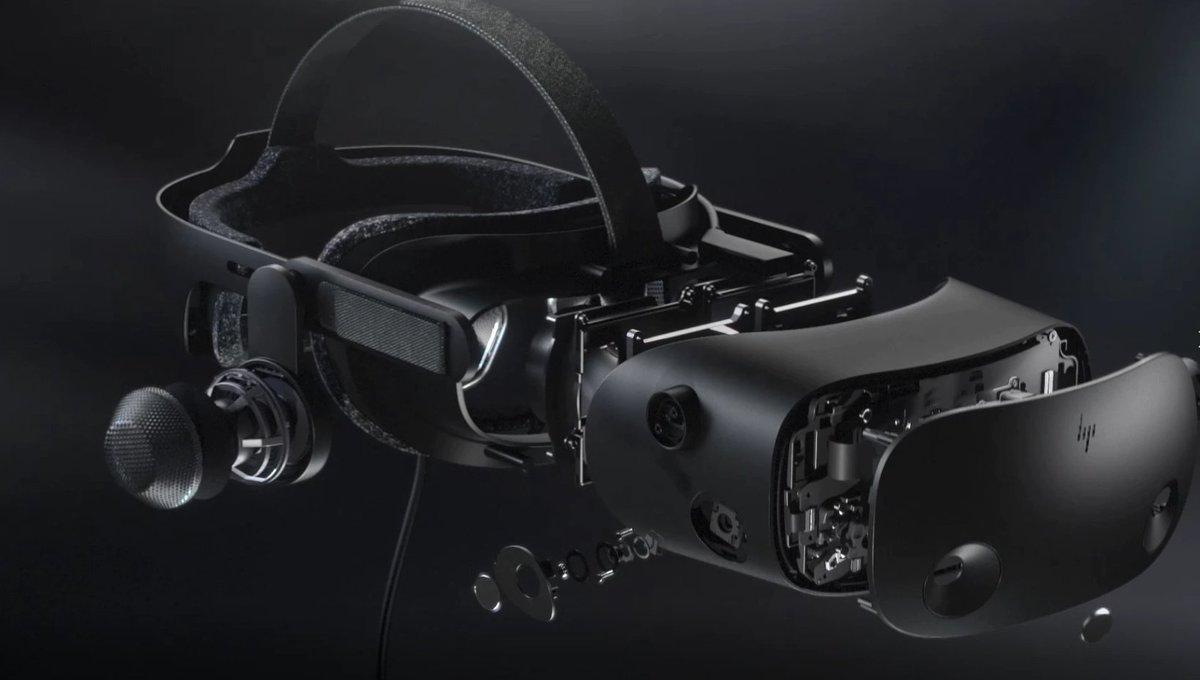 شركة HP تكشف عن خوذة الواقع الافتراضي HP Reverb G2 VR بالتعاون مع شركتي مايكروسوفت و Valve تضم شاشة LCD بدقة 2160x2160 ومكبرات صوتية مصممة من شركة HMD وأربع كاميرات لتتبع الحركة مع كيبل يصل طوله إلى 6 أمتار. ستتوفر للبيع في خريف هذا العام بسعر 599$ #HP #Valve