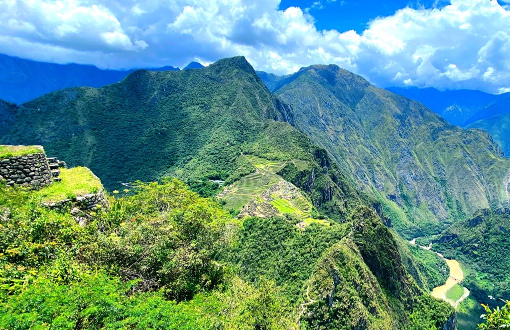 #Machupicchu from #Huaynapicchu Mountain !!! #travelphotography #naturephotography #trip #travelblogger #naturelovers #ctperu #nature_perfection #trekking #hike #cusco #wonderlust #america #mountains #explore #love #lonelyplanet #natgeo #discovery #lifestyle #stayhome #ruin #perupic.twitter.com/H3BwAmp7L1