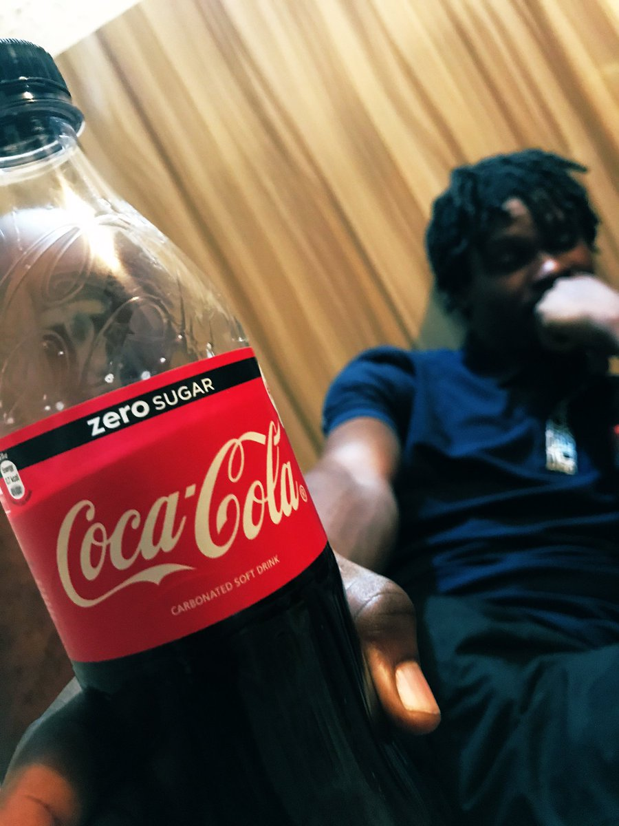 MyCokeAndI  #Day152 of my #180DaysChallenge of unofficially modelling for @CocaCola @CocaCola_NG @CocaColaCo @WorldofCocaCola @CocaCola_GB  #2020goals pic.twitter.com/mQerICYTSK