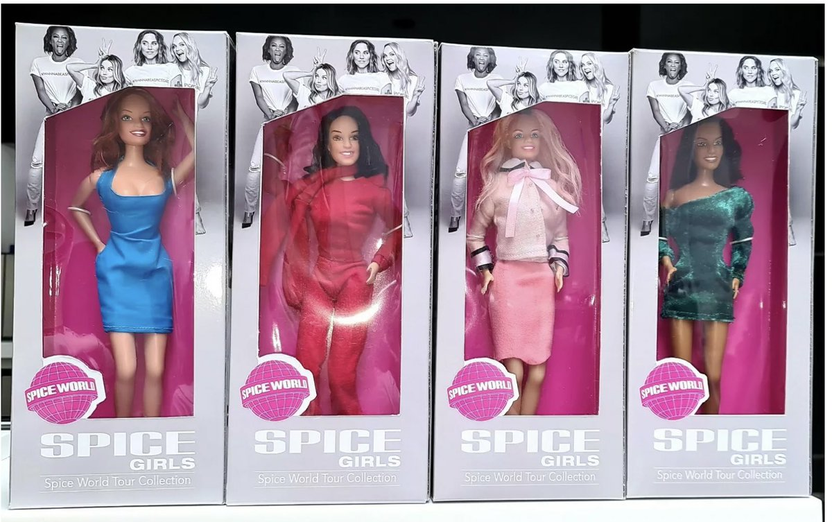 Someone in a Facebook group I'm in made these OOAK Spice Girls dolls and omfg they're soo hot.. really wish their label would have made up-to-date versions last year! Would have been cool to see: pic.twitter.com/2N3gFEDtvI