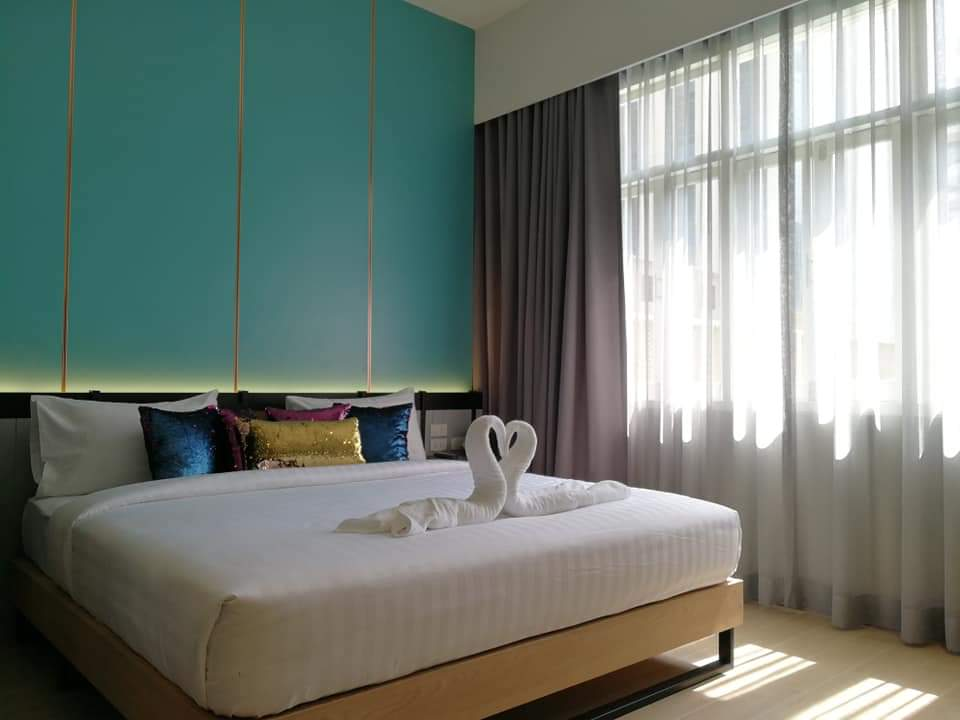 Please welcome to visit our new Deluxe Double/ Twin beds room at Miami Hotel, Bangkok.  #backpacking #digitalnomad #hostelbangkok #nomad #hostelinthailand #boutiquehostels #hostellife #hostelbkk #travelblogger #wonderlust #yolo #travelingram #backpackpic.twitter.com/MJLYSFCouf