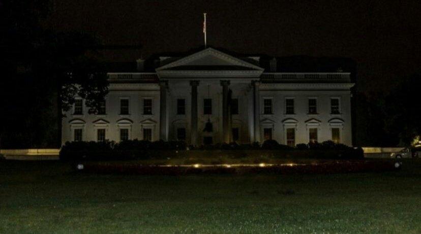 Las luces de la Casa Blanca fueron apagadas después de décadas. Hay explosiones, protestas y heridos en Washington D.C... y recién comienza Junio 😬