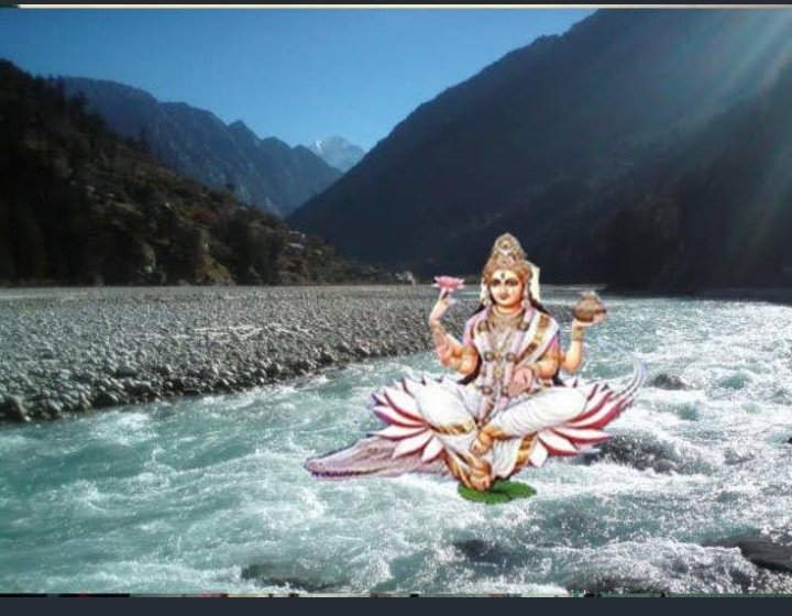Today, ganga is the festival of dushehara according to the purans nd the hindu panchang descent  of ganga occurred on the tenth day of the Shukla paksha  jyestha month.💐  Congratulations to all of you on the ganga dushehara  festival..... 🙏🇮🇳🍁     #Jai_maa_ganga🚩 https://t.co/okB0wW3BI8