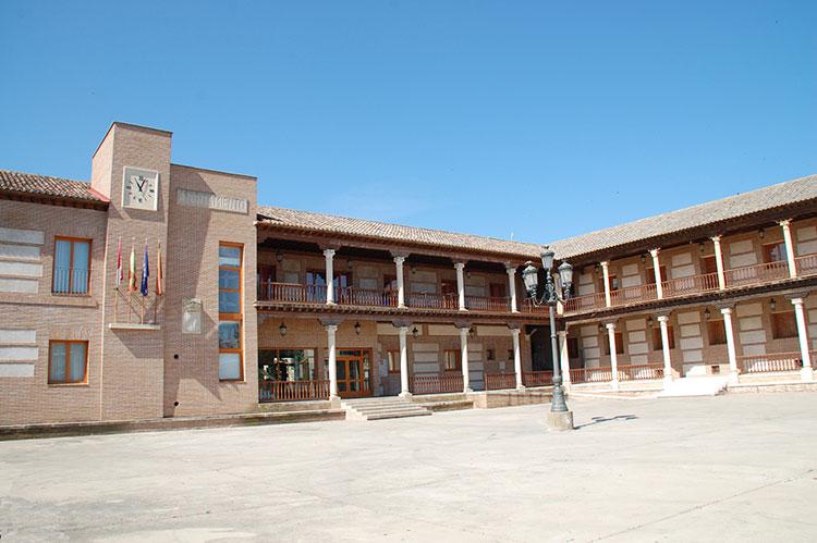 El Ayuntamiento de Yunquera de Henares suspende las fiestas de San Pedro y Ecualtur - https://t.co/iEfga3q9KR https://t.co/cQrDTSoAxq