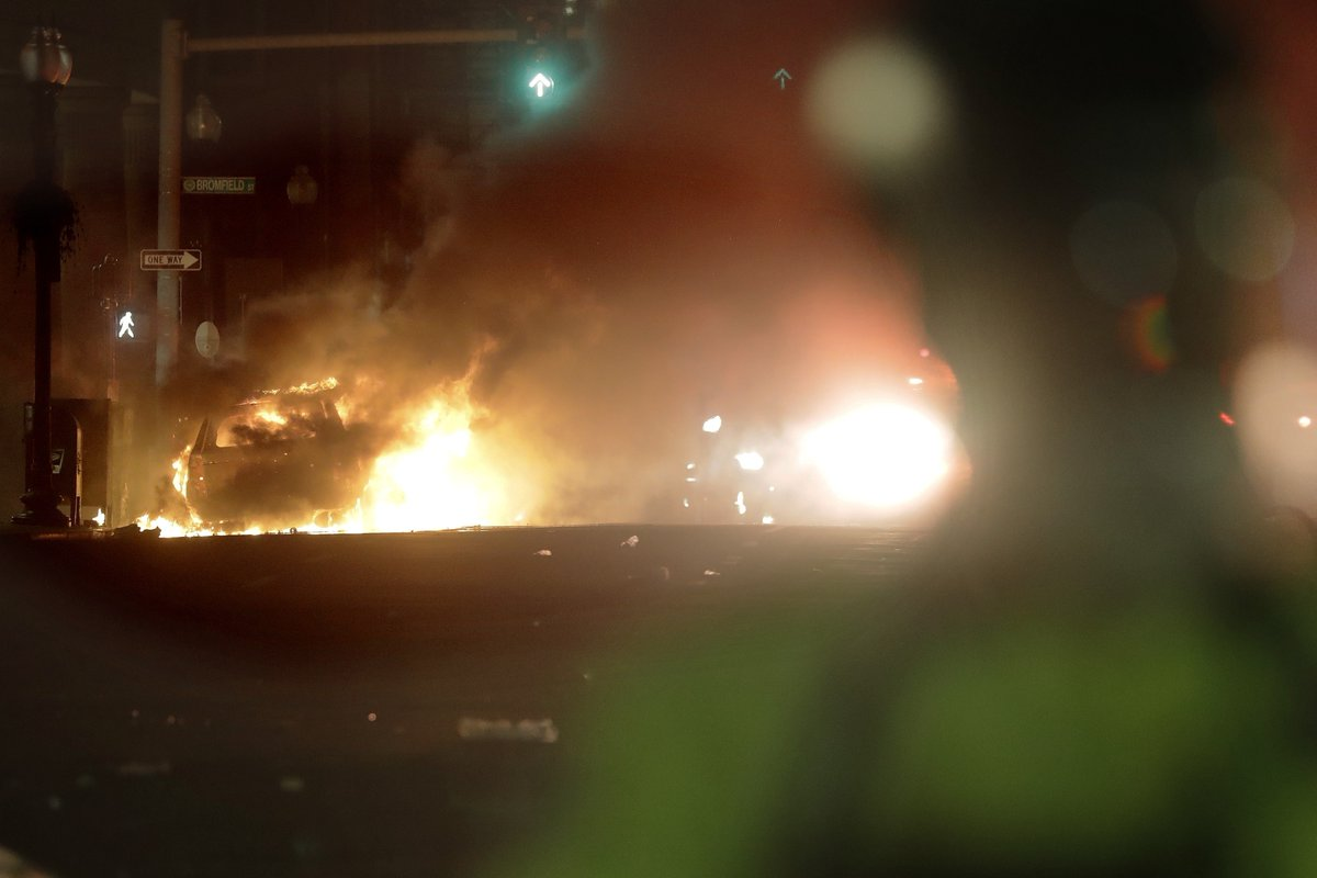 #BREAKING: @TheNationsFirst, the Massachusetts National Guard is coming into #Boston to assist @BostonPolice Expected to be arriving shortly. #BostonProtests (AP Photo)