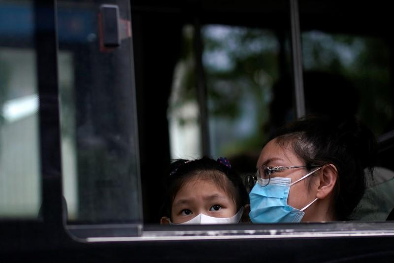 China reports 16 new COVID-19 cases, highest in nearly three weeks https://reut.rs/2AtDTxKpic.twitter.com/rC9JwM4sYf