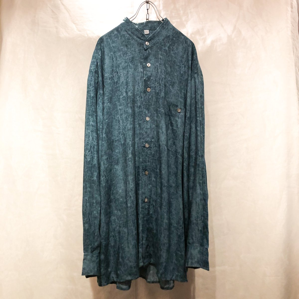 "select vintage & design used RAGLA MAGLA -shimokitazawa- ・ ・ ▶︎new stuff ""mottled pattern nocollar rayon shirts"" ¥5,800(tax in) ・ ・ #raglamagla #shimokitazawa #used #vintage #ラグラマグラ #下北沢 #下北 #古着屋 #古着 #シャツ #ノーカラーシャツ #レーヨンシャツpic.twitter.com/8qUm0GCHsl"