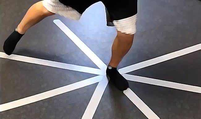 Today's Movement Monday Live will be about The 1/4 Clock Exercise.  Catch us at 17:00 (GMT) on YouTube    #prehab #movementmonday #osteoarthrititismanagement #exercisetherapy #kneepain #exerciserehab #functionaltraining #kneestability #anklestability #hipstabilitypic.twitter.com/xDmlmE2PJu