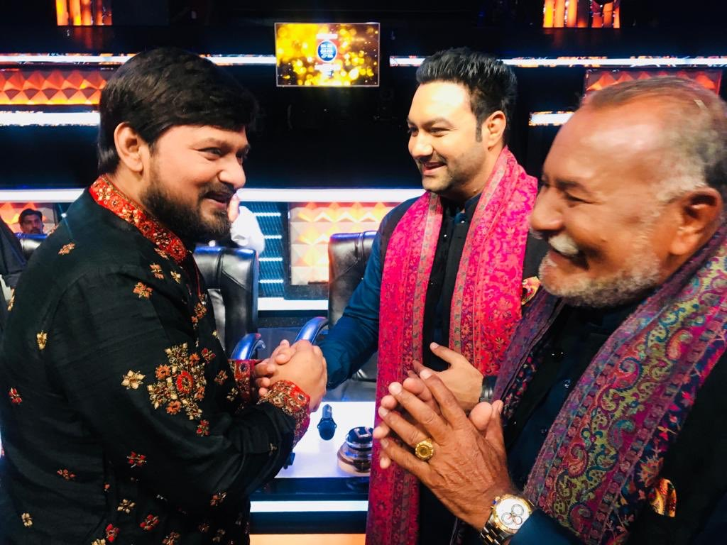 Saddened to hear the sudden demise of  Wajid bhai No words r enough to compliment a great composer... We're planning to work together before lockdown..but. just can't believe this happened.. bhai yaad aaoge bahut. RIP 🙏  #wadalibrothers #WajidKhan #lakhwinderwadali #Thewadalis https://t.co/Bh5sGG8U5Q