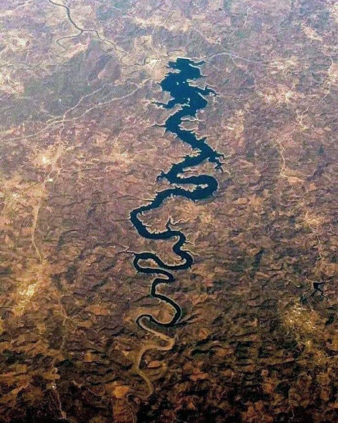 Rio Dragão Azul em Portugal, visto em cima. https://t.co/ee9hFUNFGh