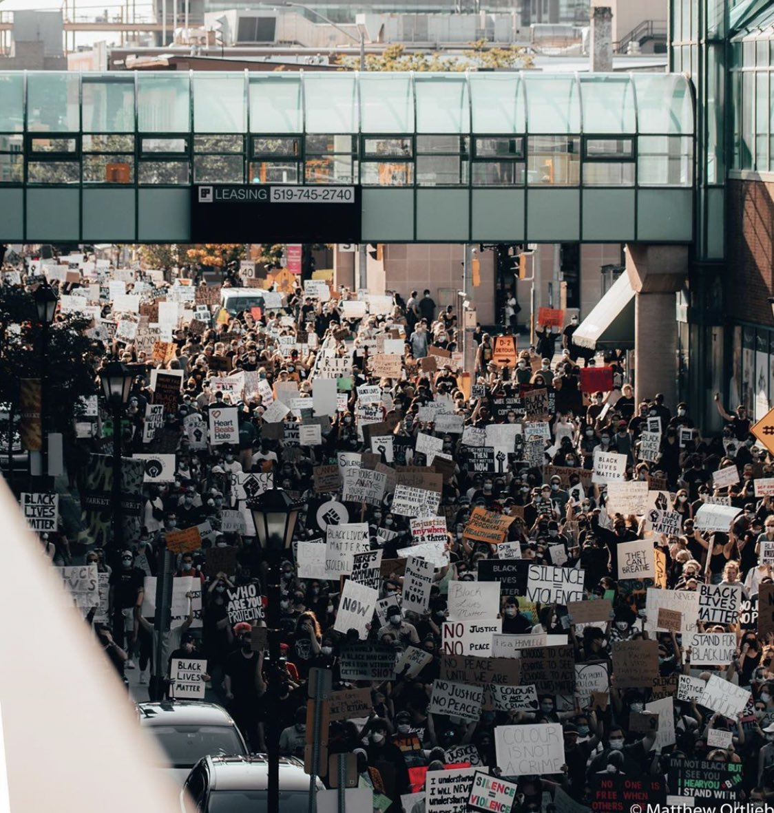 Proud of our community! 🖤🤍 ✊🏿✊🏾✊🏽✊🏼✊🏻✊  #BlackLivesMatter  —— KW you showed up! #kwawesome   📸 Matthew Ortlieb  @NBLCanada @CityKitchener @citywaterloo @shaunking https://t.co/H0vgLn93Dz