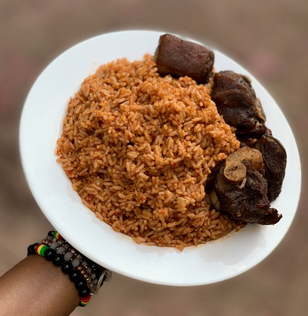 """Since both photos blew up, """"this or that????"""" is only appropriate. Retweet for jollof. Like for fried rice"""
