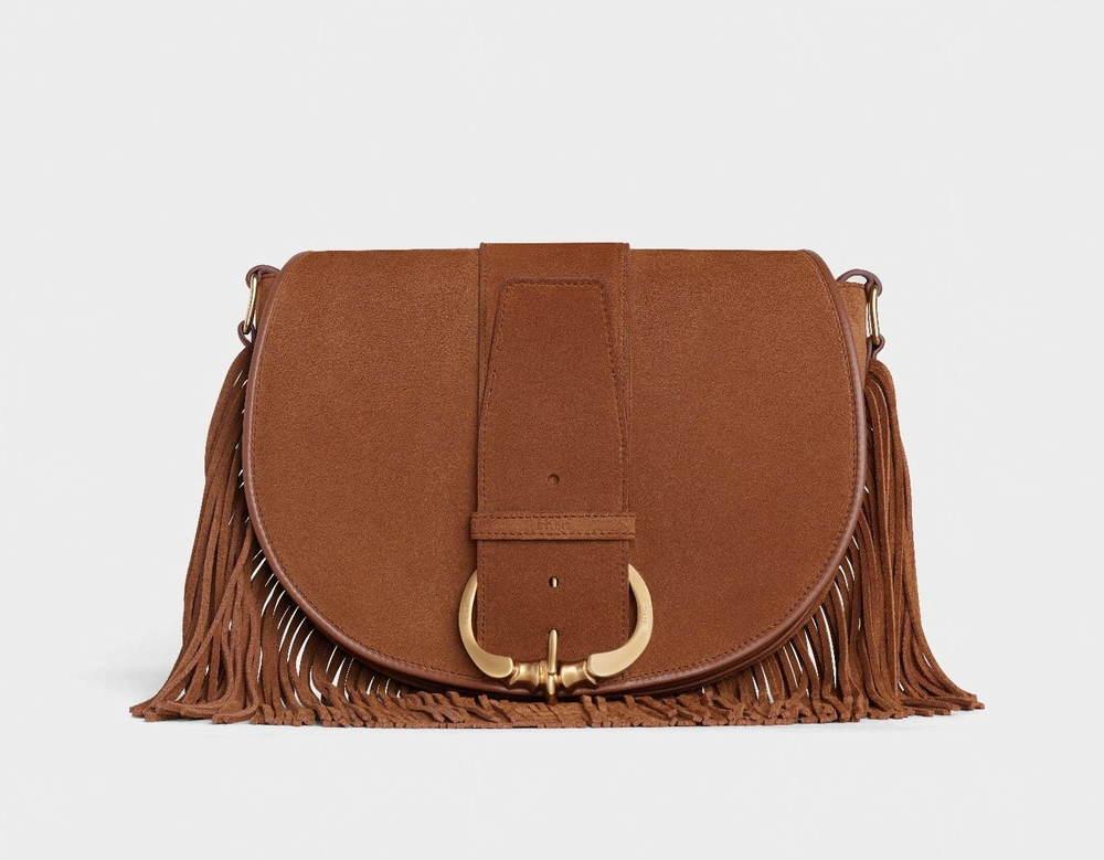 セリーヌの新作バッグ「カマラ」オーバーサイズのベルトを配したフラップ、札幌大丸の新店で先行販売 -