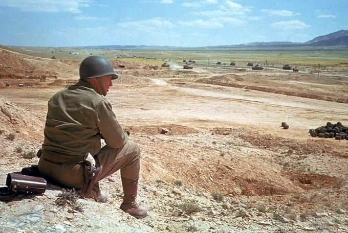 General Patton in Tunisia, 1943   Life Magazine Collection.  #History #WW2pic.twitter.com/0YrOHzxGbV