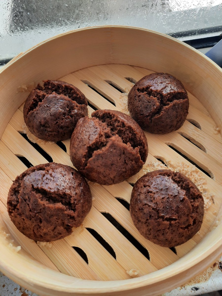 #food Made chocolate steamed buns pic.twitter.com/ZlO5i7RBU8