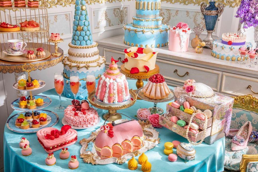 """マリー・アントワネット着想のデザートフェアがヒルトン東京で、""""宝石箱タルト""""などを好きなだけ -"""