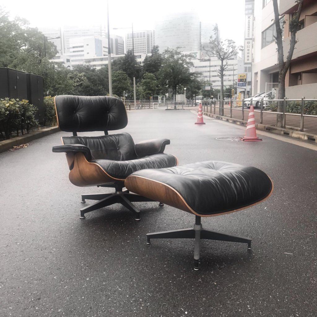 Lounge Chair and Ottoman #midcenturymodern #midcentury #interiordesign #interior #eames #loungechair #chair #picture #art  #ミッドセンチュリーモダン #ミッドセンチュリー #インテリア #イームズ #家具pic.twitter.com/kwqKfgG5BA