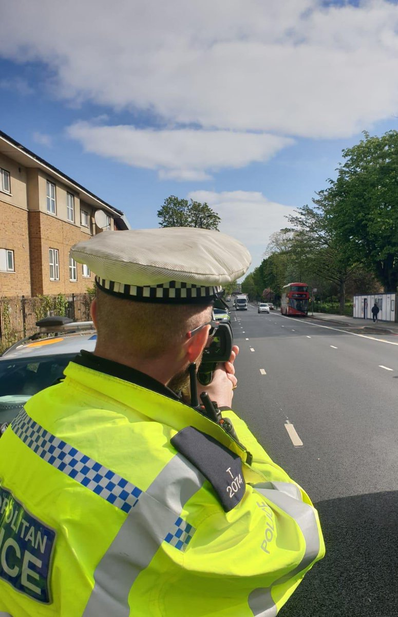 In #London Traffic Police recognise speeding as greatest #RoadSafety risk. Targeting priority roads day & night stopping these reckless drivers. Same amount of officers produced 500% more enforcement which coincides with large serious crash reductions. May19 = 1024 May20 = 5689