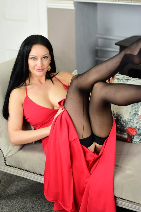 2 pic. Dont miss my sexy red dress this week. Thought this looks good with some seamed pantyhose x https://t