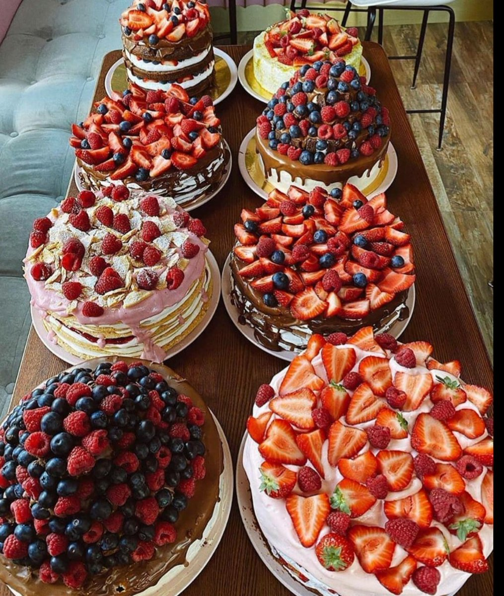 Dream Berries Cake Yes Or No?? #Foodie #food pic.twitter.com/bnBmT4BfXR