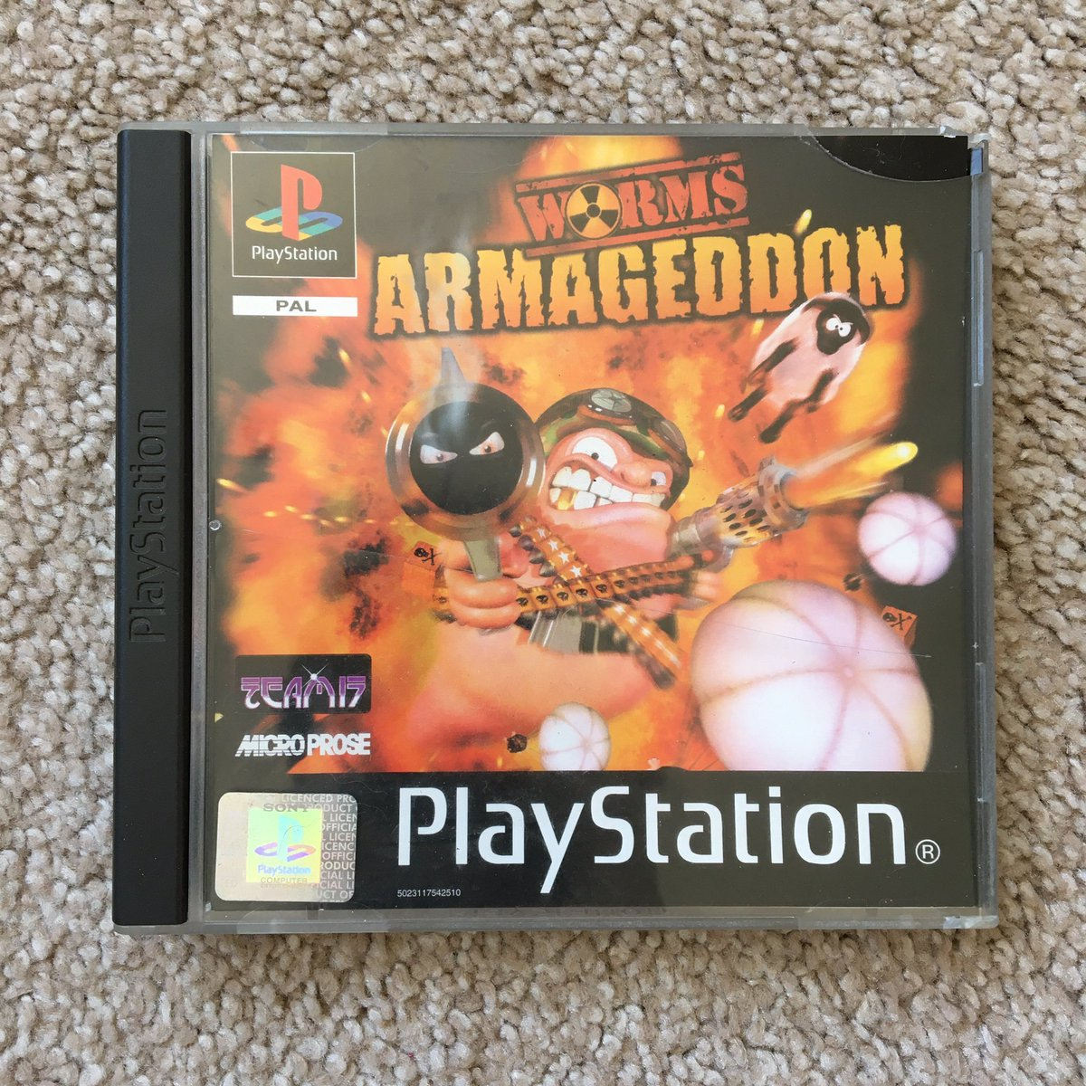 I also found this copy of Worms Armageddon at my mums house yesterday. #PS1Day #GamersUnite #RetroGaming https://t.co/LMUgX53zt8