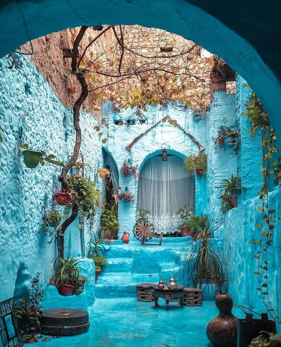 "Streets of Chefchaouen, Morocco.  This place is also known as ""The Blue Pearl"" for obvious reasons, kan?  #travelphotography pic.twitter.com/Z54LCKeLPJ"
