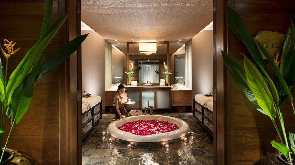 We are thrilled to announce that our Spa and fitness facilities including Seasons Spa, BodyWorx Gym, outdoor pool and tennis courts continue to re-open and extend operations! For questions and booking, please contact us at ☎ +66 (0)2690 9347.  #ConradBangkokHotel #ConradHotels https://t.co/Up6GkDuNUz