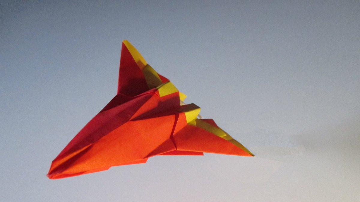 聖書《あなたは大いなるご威光によって、向かい立つ者たちを打ち破られる。あなたが燃える怒りを発せられると、それが彼らを刈り株のように焼き尽くす。 出エジプト15:7》 #origami #折り紙作品 #おりがみ飛行機 #聖句 作品紹介! #airplanes #摺紙 #おりがみ #折紙 https://t.co/myYpE6fE8O