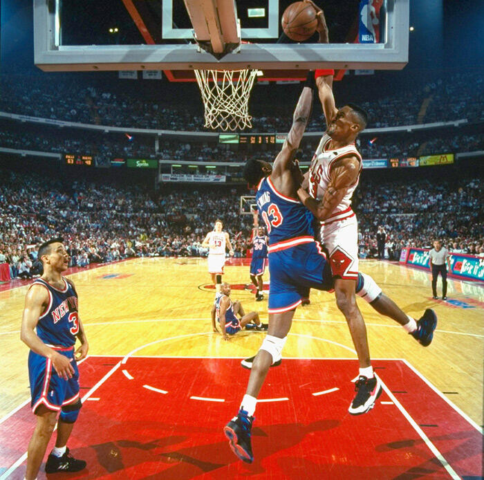 The famous @ScottiePippen over Patrick Ewing dunk 🔥  Follow @topdunkvideos for more daily highlights! https://t.co/Gd6LRVvl79