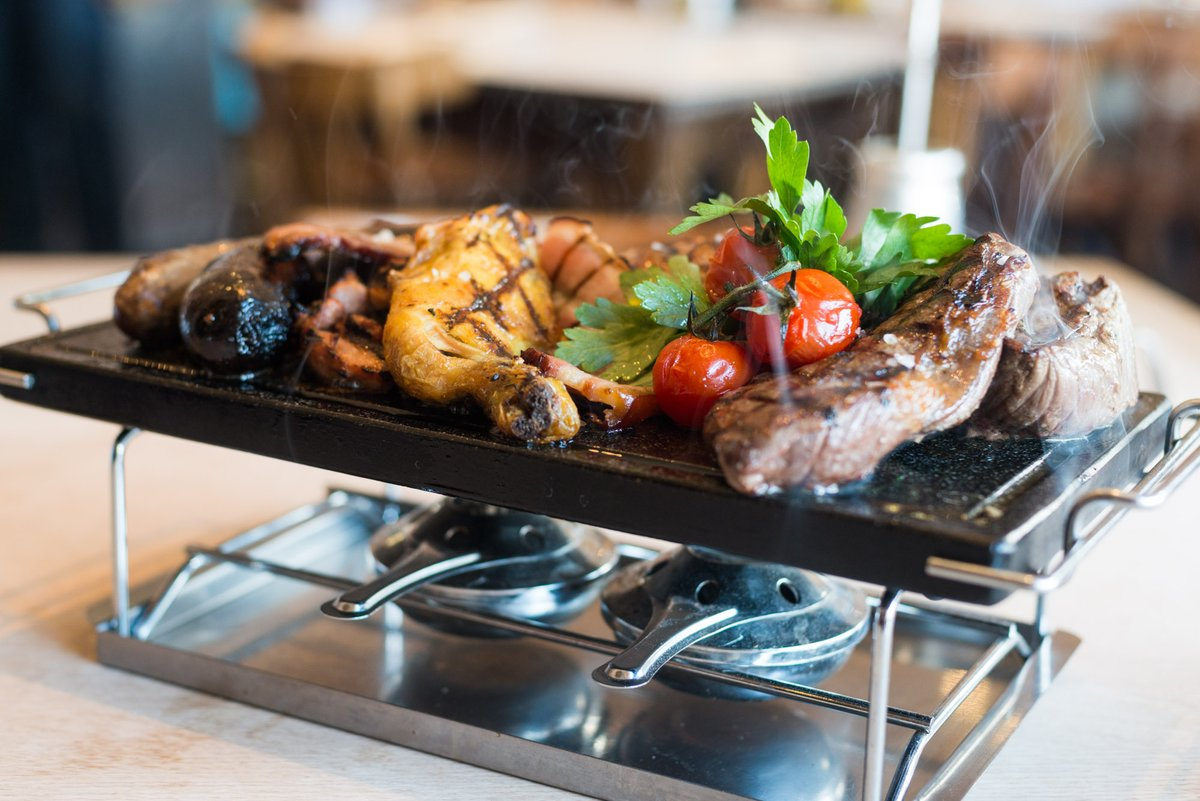 Order your #Argentina Friday Night Dinner now – a Mixed Grill for 2 or more: 300g Fillet, 300g Ribeye, Half-Chicken, 1 Morcilla, 1 Chorizo - all for just £60! Just call or email - 07775 653235 contact@buenosairescafe.co.uk - specify a time & pick up your food up from #Blackheath.pic.twitter.com/BMOkjjNO74