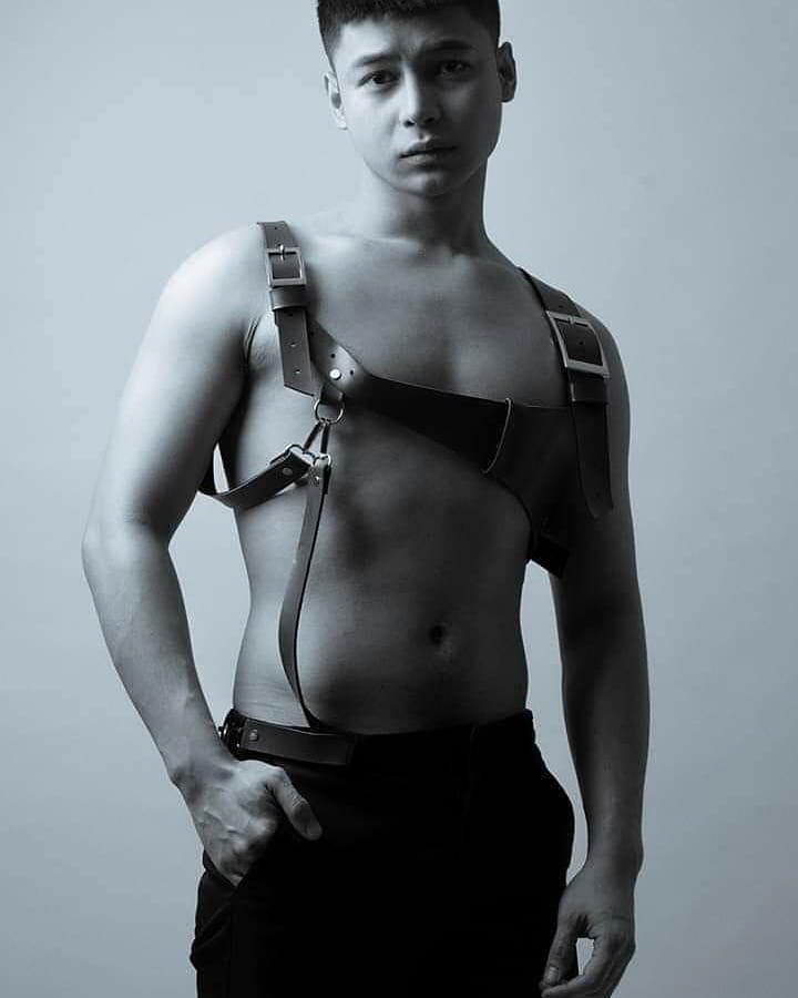 ANG ISA SA MGA MAS LALONG MAGPAPA INIT NG INYONG MGA GABI.  MALAPIT NA @aki.torres   #MyDayTheSeries #MyDay #blseriesph #blseries #boyslove #boysloveboys #boys #boyswillbeboys#PinoyBLSeries  @mikogallardo_ @xionlim  #Pepps #oxinfilmspic.twitter.com/HlyPtsH69s