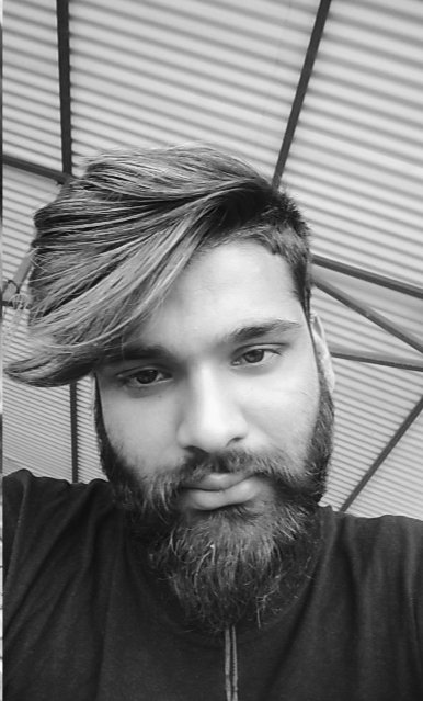 """Don't even hurt me because if it's my turn you'll google """"How to stop crying"""". #bearded_boy #King pic.twitter.com/KQQDojoXyq"""