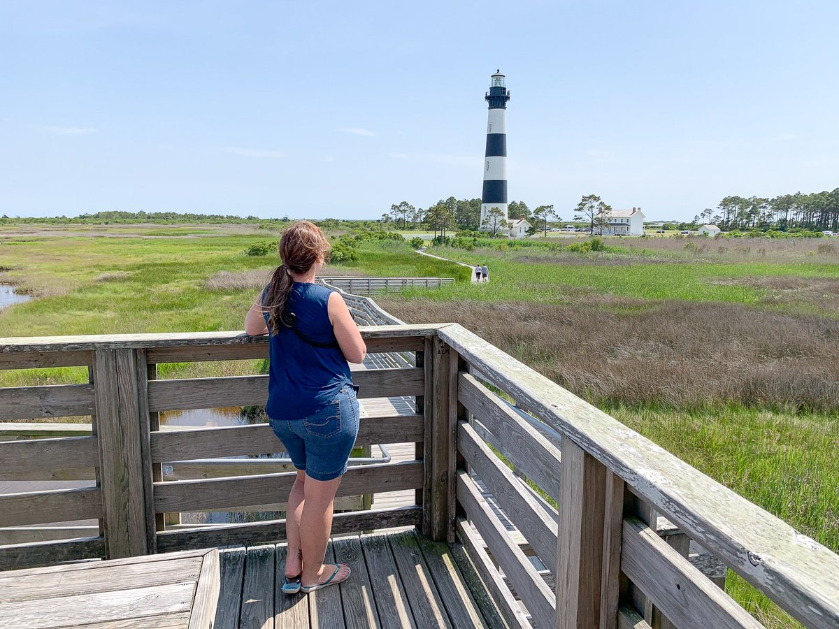 Boardwalks, beaches, marshes and lighthouses are the name of the game in the Outer Banks of North Carolina!⠀  #AdventureTravel #OBXNow #OBXFirst @theouterbanks #DivergentTravel @VisitNC #Vacation #RoadTrip #USTravel https://t.co/w1fgzGDhzX
