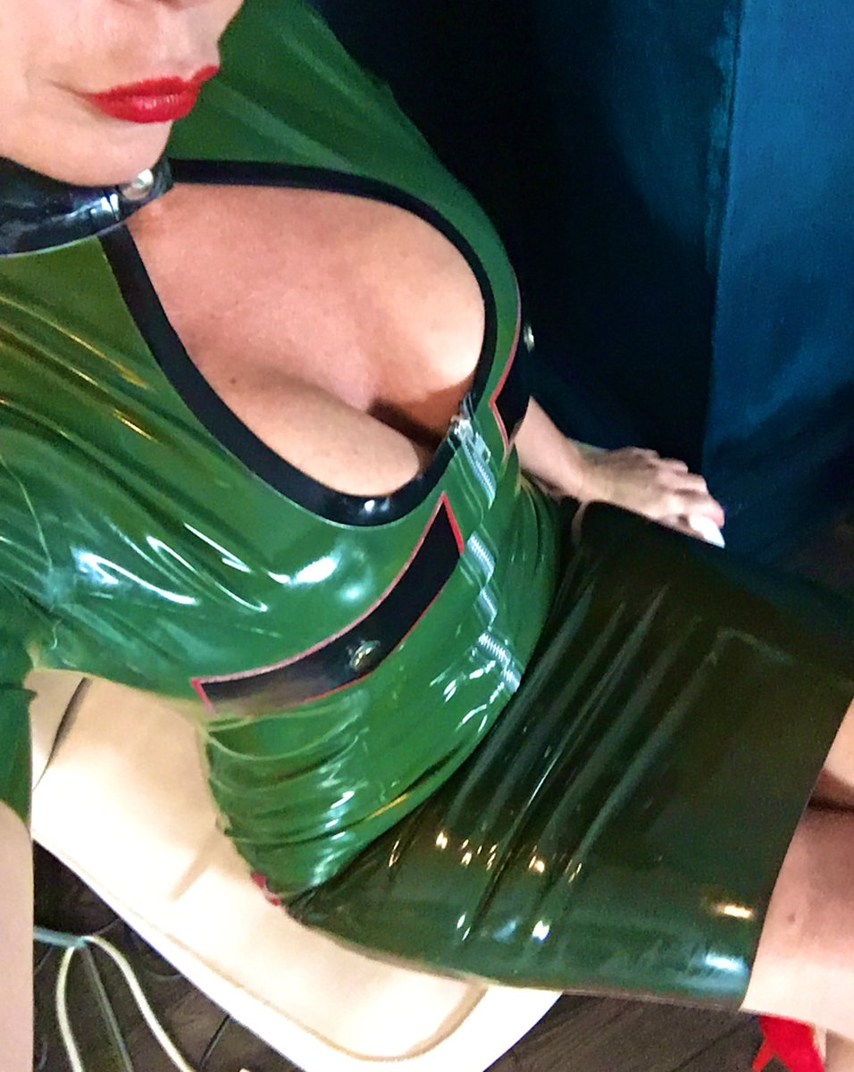 Happy Monday kinksters x See you all very soon hopefully   #elitemistress #worshipme  #teesidemistress  I'm on the prowl for more wolf pack slaves to come and worship me. @MistressAvaWolf  DM or text 07857 612976pic.twitter.com/M8DBfTaChE