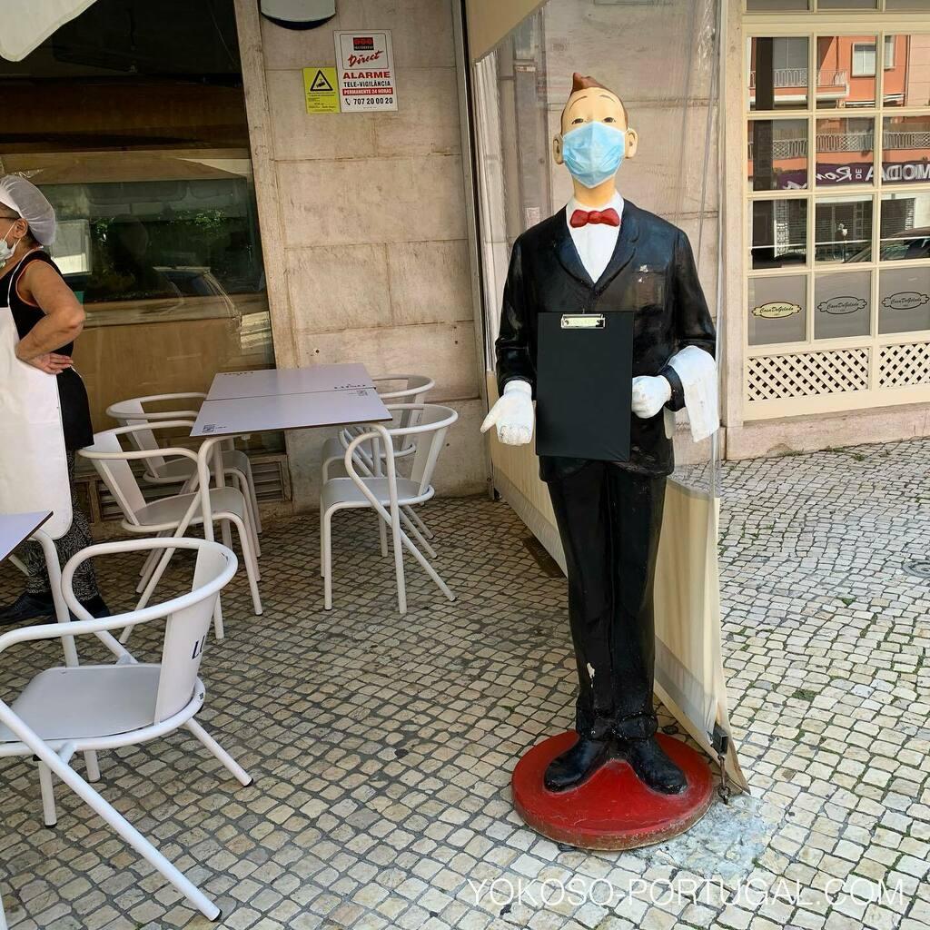 test ツイッターメディア - 人形もマスクをしているリスボンのレストラン。 #ポルトガル #リスボン https://t.co/Wwz5HfMA4w