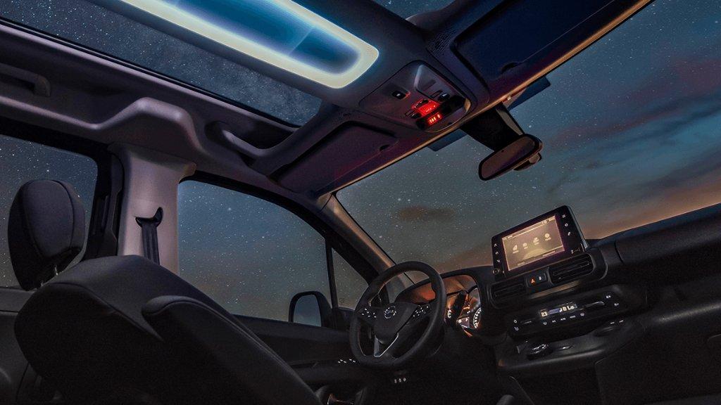 Sichtbar besser: Der Opel Combo mit dem beeindruckenden Panoramadach! Hier gehts zum Konfigurator: s.opel.com/4kav6