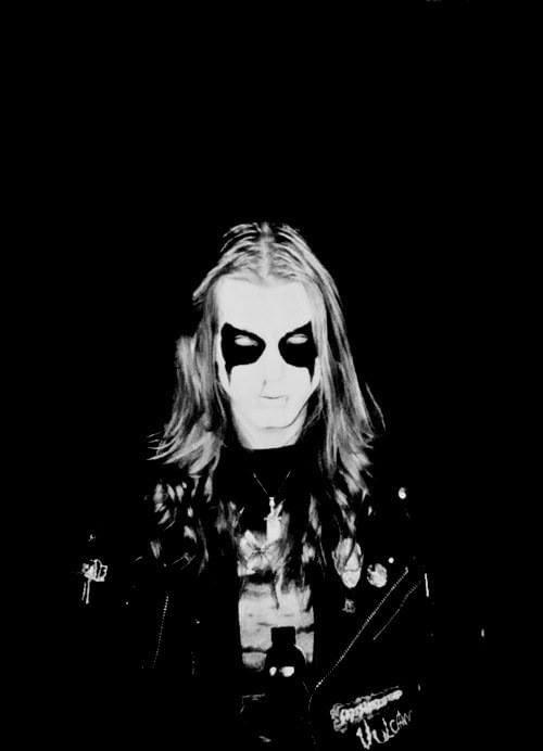 Mayhem   #blackmetal #metal #deathmetal #metalhead #heavymetal #metalmusic #extrememetal #music #doommetal #rock #metalheads #blackmetalband #blackmetalmusic #metalband  #norwegianblackmetal #goth #metalcore #satan #darkart #black #dark #death #blackmetalvinyl #mayhem #bhfyppic.twitter.com/YaJWQl2aXh