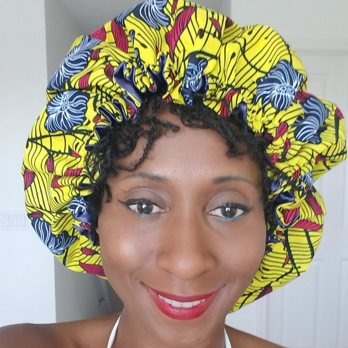 Black owned! #bonnetbhabie beautiful African print hair bonnets and mask. Order one today. https://etsy.me/2zMd1ZS #blackbusinesses #mask #hairbonnets #satin #facemask #buyblack #africanprint pic.twitter.com/LDuvCDNlJA