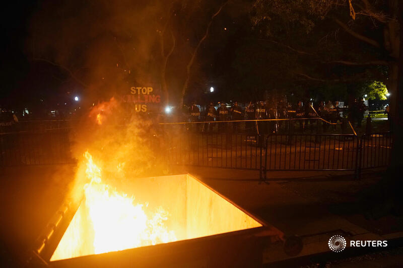 U.S. protests thread: fires burned near the White House, stores were looted in New York City and Southern California, and a tanker truck drove into marchers in Minneapolis as protests over the killing of George Floyd continue https://t.co/filRQ6vGNh https://t.co/BmiDS84k2O