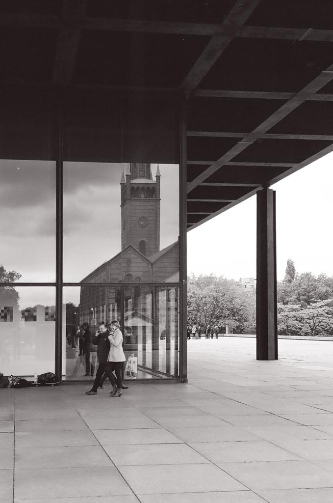 Miessian reflections. Berlin, Germany. . #Olympus 35 RD. . #35mmfilm #analog #film #filmisnotdead #filmisalive #filmphotography #filmfeed #filmphoto #believeinfilm #keepfilmalive #filmwave #bnw #blackandwhite #architecture #miesvanderrohe #neuenationalgalerie #street #berlinpic.twitter.com/Fsol7q4g6t  by analogMoFo